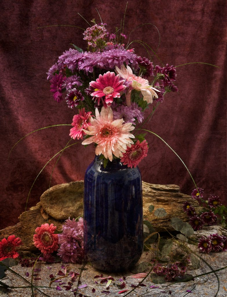 Flowers in blue vase4-2